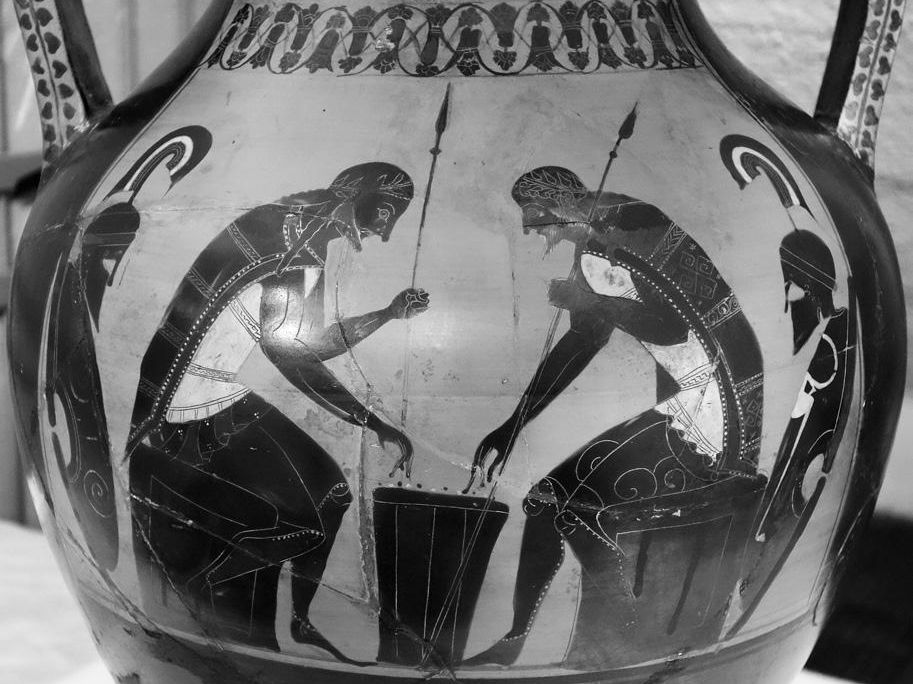 Achille et Ajax jouant Amphore attique de Nola, vers 530 av. J.-C. Naples, Museo Archeologico Nazionale. © V. Dasen.