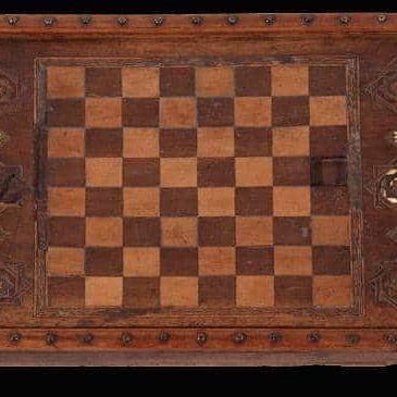 Échiquier nasride, XIVe – XVe siècle Musée de l'Alhambra, Grenade © Ministerio de Cultura