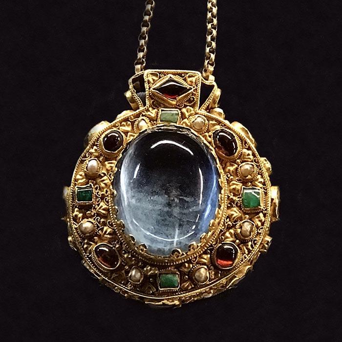 10-talisman-charlemagne-orfevrerie-carolingienne-histoire