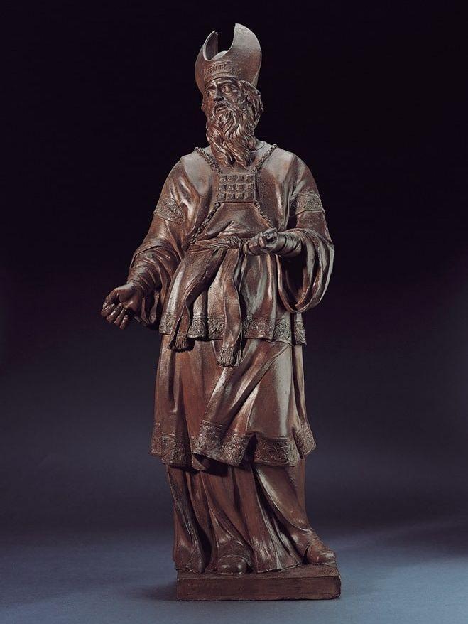 Sculpture en terre cuite d'Aaron par Jacques Bergé (1693 - 1756), entre 1692 et 1756. Sur le torse, il porte le pectoral de pierres précieuses.