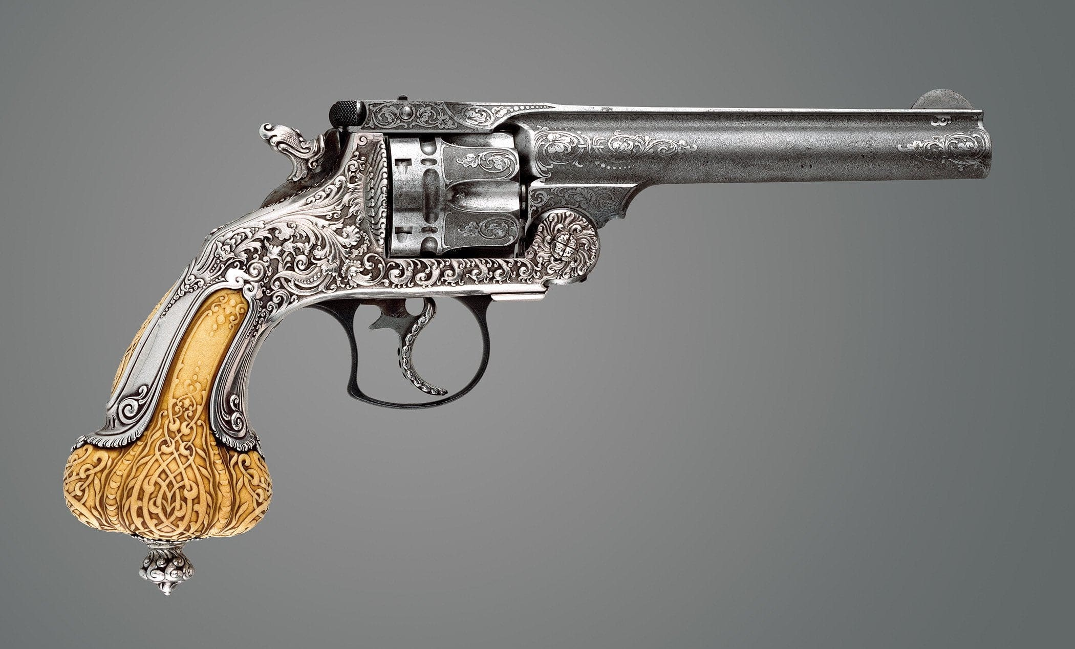 Revolver Smith & Wesson «Frontier» en collaboration avec Tiffany & Co. Circa 1892-93 © Reddit