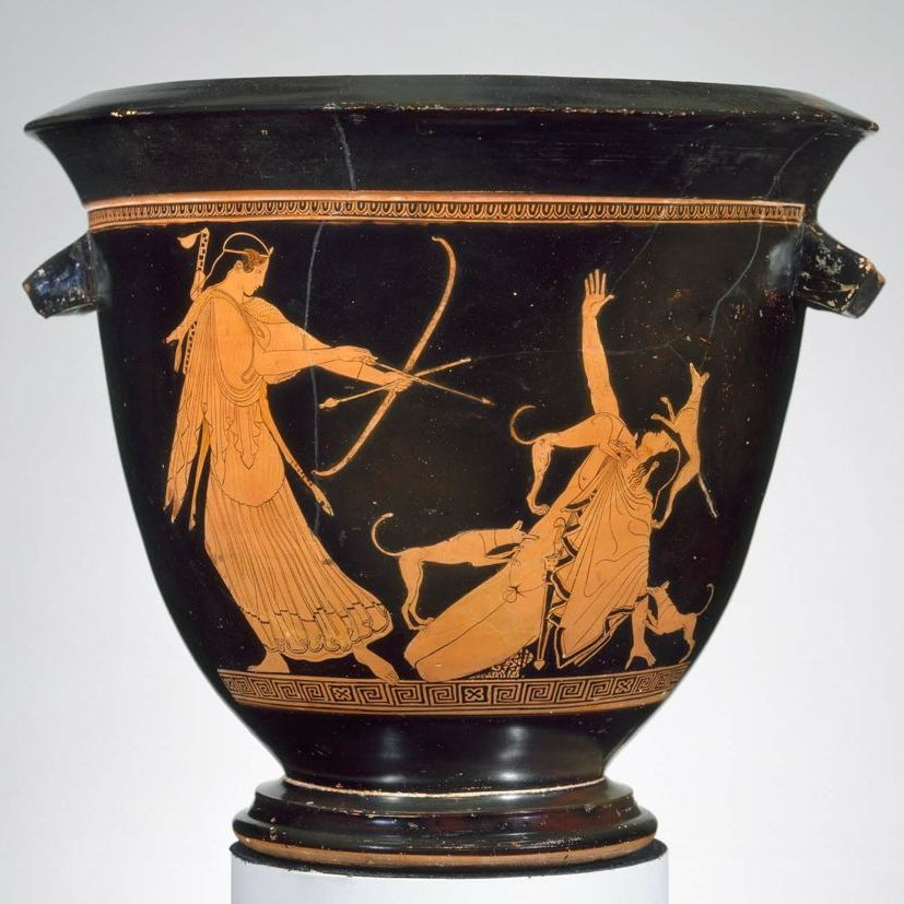 cratere-ceramique-artemis-arc-fleche-attribut-mythologie