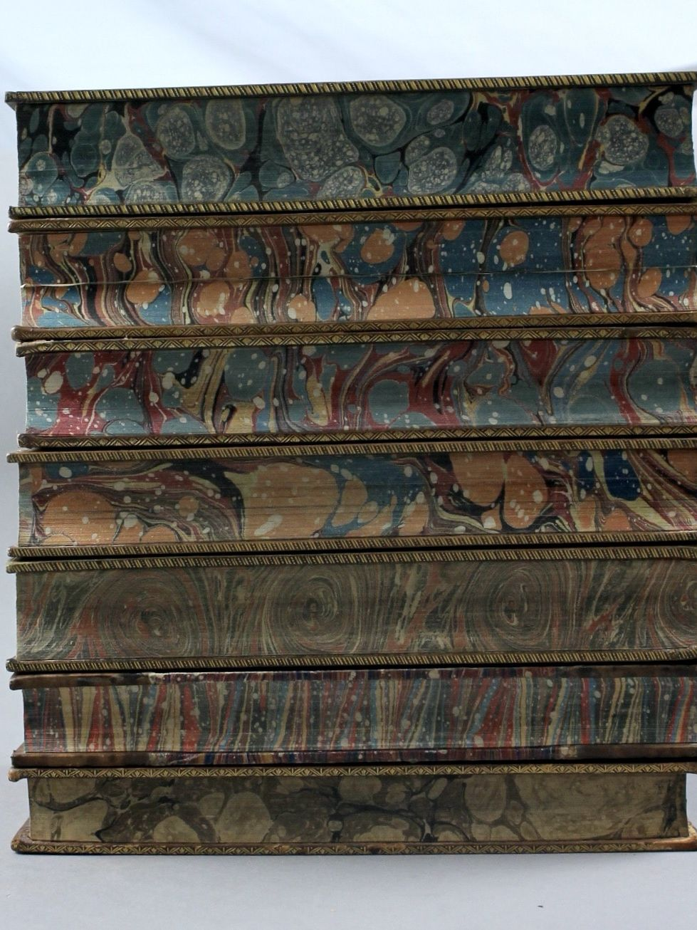 Tranches marbrées de livres anciens © Armagh Robinson Library